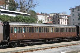 Carrozza cento porte Treno Storico